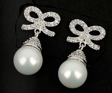 Brautschmuck ohrringe perlen  Ohrstecker mit Perlen und Schleife